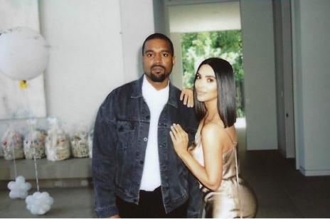 Kim Kardashian i Kanye West zaprojektowali ubrania dla dzieci! Kolekcja jest już w sprzedaży