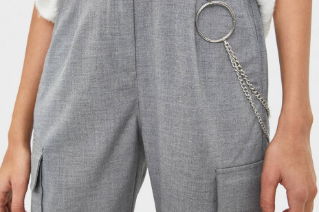 Trendy jesień 2019: Cargo - jak stylizować i gdzie kupić najmodniejsze spodnie sezonu?