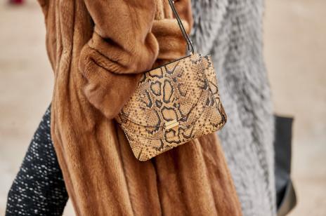 Trendy jesień 2019: torebki, które wyglądają jak z wybiegów znanych domów mody, a kupicie je w sieciówkach!