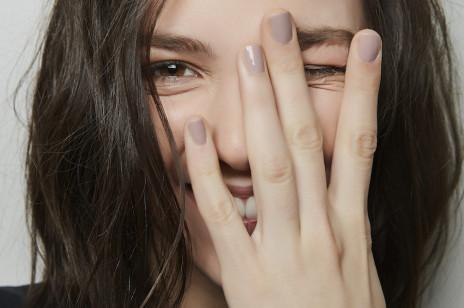 Trendy 2019: modne kolory paznokci na jesień