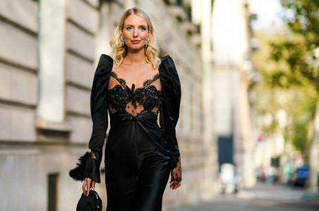 Trendy 2020: modne sukienki studniówkowe do 150 zł, w których zrobicie furorę