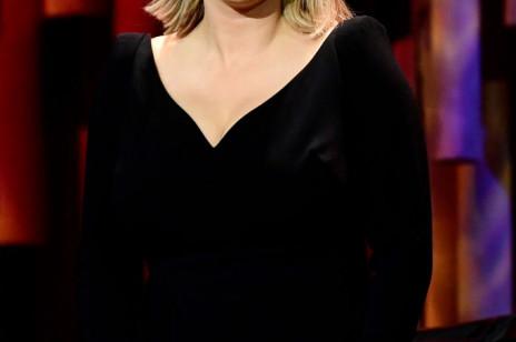 Europejskie Nagrody Filmowe 2019: znamy zwycięzców! Joanna Kulig wręczyła statuetkę najlepszemu europejskiemu reżyserowi – wyglądała olśniewająco