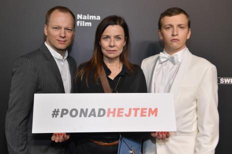 """Gwiazdy na uroczystej premierze """"Sala samobójców. Hejter"""" Jana Komasy. Kto pojawił się na czerwonym dywanie?"""