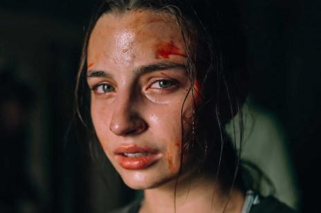 """Premiera filmu """"W lesie dziś nie zaśnie nikt"""" przesunięta z powodu koronawirusa! Miał trafić do kin 13 marca"""
