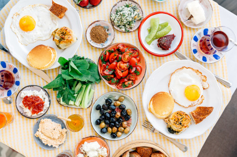 Co jeść przed treningiem? Te porady pomogą ci osiągnąć cel