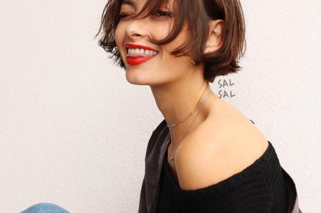Sci-fi bob: Ta modna fryzura na lato 2020 to alternatywa dla klasycznego francuskiego boba. Ale kosmos!
