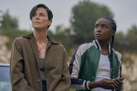 """""""The Old Guard"""" bije rekordy popularności! Nowy film Netflixa już przeszedł do historii"""