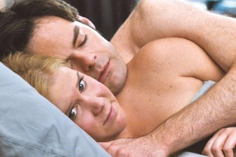 Dlaczego mężczyźni zasypiają po seksie? I czy to powód do zmartwień?