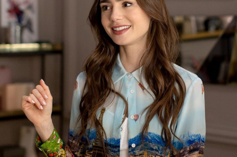 """Lily Collins zdradziła, ile lat ma jej bohaterka w serialu """"Emily in Paris"""". Fani są oburzeni"""