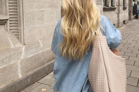 Ten prosty domowy rytuał natychmiast zregeneruje Twoje włosy po lecie. Oto, co jeszcze pomoże Ci doprowadzić je do porządku