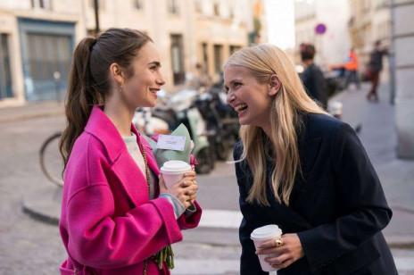 """Pod wpływem """"Emily w Paryżu"""" influencerki przywracają do łask ten zapomniany trend na jesień. Tobie też się podoba?"""