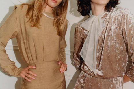 Modne sukienki na święta, które założysz nie tylko na wigilijną kolację. Oto najpiękniejsze kreacje z sieciówek i od polskich marek