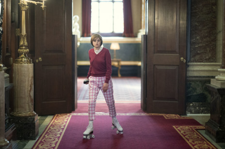 """Czy księżna Diana naprawdę jeździła na wrotkach po pałacu jak w serialu """"The Crown"""" ? Będziecie w szoku!"""