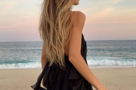 To najbardziej cool trend w koloryzacji włosów w 2021 roku! Pokochają go (nie tylko) fanki balejażu