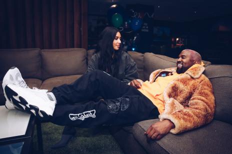 Kim Kardashian i Kanye West – historia związku. Jak się poznali? Kiedy wzięli ślub, jak wyglądała ceremonia i... dlaczego sięrozwodzą?