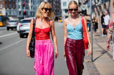 Moda trendy 2021: Co będzie modne wiosną i latem? Dominujące trendy, które będziesz widzieć wszędzie!