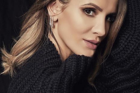 """Sukces Sary Boruc! Po Kendall Jenner kolejna słynna modelka pokazała się w płaszczu jej marki. """"Nie wyobrażacie sobie, ile to dla mnie znaczy"""""""