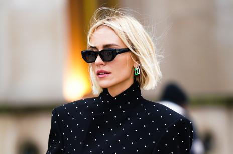 Ta modna fryzura na 2021 rok jest już kultowa! Istnieje jednak kilka wariantów. Sprawdź, które cięcie najlepiej do Ciebie pasuje