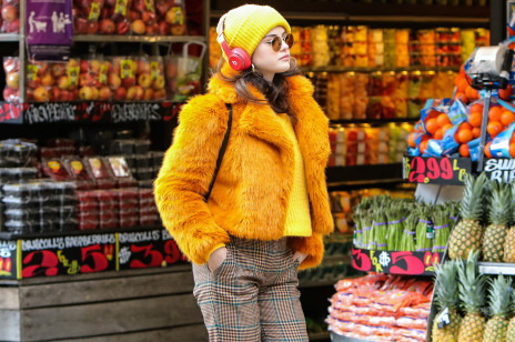 3 rzeczy, z którymi gwiazdy nie rozstają się zimą. Noszą je m.in. Lily Collins, Selena Gomez i Kendall Jenner