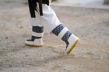 Jakie buty na śnieg? Buty trekkingowe, śniegowce i inne modele, które pozwolą przetrwać mrozy i roztopy