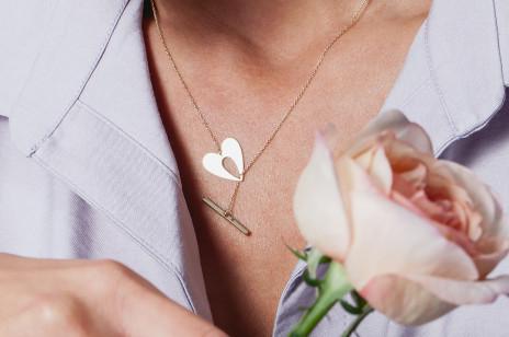 Niebanalna biżuteria z motywem serca? Znajdziecie ją w walentynkowej kolekcji YES!