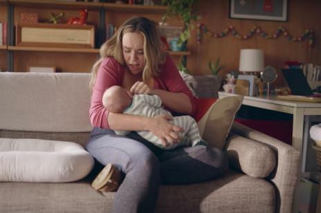 Po raz pierwszy podczas transmisji Złotych Globów pojawi się reklama pokazująca kobiety karmiące piersią. Bez cenzury sutków!
