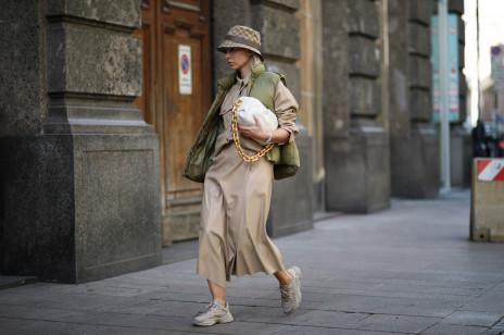 Modne sneakersy na wiosnę 2021? Te 3 trendy zdominują ulice!