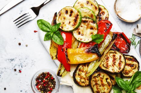 Warzywa na grilla: które smakują najlepiej? Jak je przyprawić?