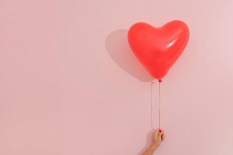 Rodzaje miłości, czyli miłość romantyczna, platoniczna i wiele innych, których doświadczamy przez całe życie
