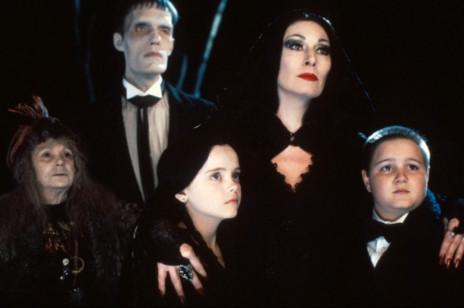 """Wednesday Addams powraca w serialu Netflixa. Do obsady nowej produkcji Tima Burtona dołączyła gwiazda """"Gry o tron""""!"""