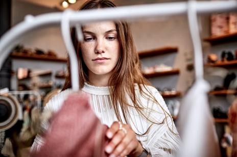 Szaleństwo Zakupów 2021: 8 rzeczy objętych promocją, które kupimy podczas jesiennej akcji rabatowej [wybór Glamour.pl]