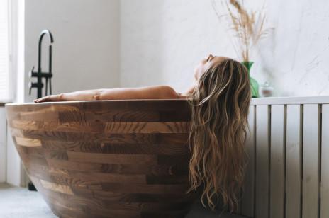 Jak przyspieszyć porost włosów? Domowe sposoby i profesjonalne zabiegi