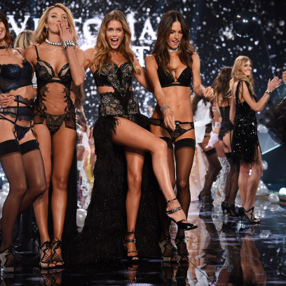Victorias-Secret-2015-Fashion-Show-video