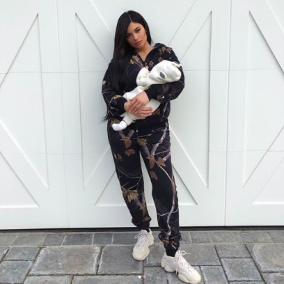 kylie-jenner-stormi-webster-10