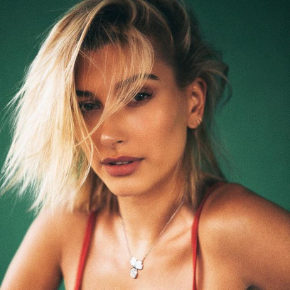 glass-hair-hailey-baldwin