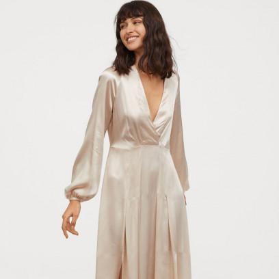 523fd9160cf2c5 Modne sukienki na wesele. Jaką kreację wybrać, aby wyglądać stylowo na  przyjęciu weselnym w sezonie wiosna-lato 2019?