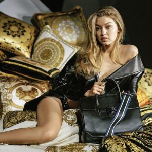 Gigi Hadid rozebrała się w kampanii Versace