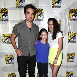 Bella i Edward od zmierzchu spotykają się w prawdziwym życiu pojedyncze strony randkowe z kowbojem