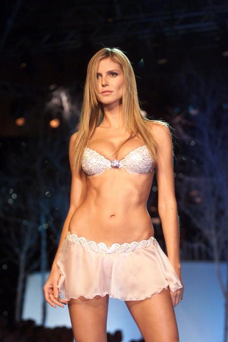 9c4bb912c08e79 ... Victoria's Secret Fashion Show 2016 zaprezentuje Jasmine Tookes. Jaka  jest historia wartego miliony stanika? 30e8291d8b52064ff56f53ec77b9e832