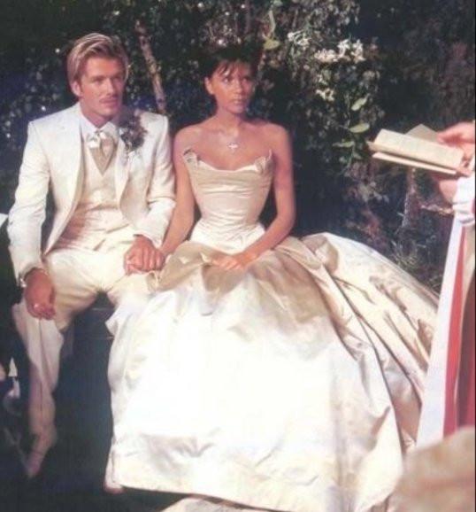 David I Victoria Beckham świętują 17 Rocznicę ślubu
