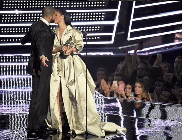 Drake znów spotyka się z Rihanną
