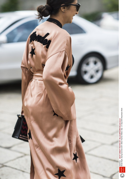 Street fashion podczas Tygodnia Mody w Mediolanie - wiosna/lato 2017