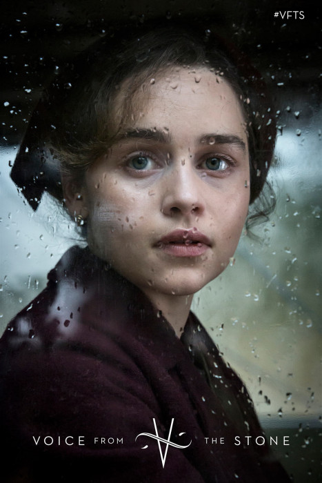 "Emilia Clarke w zwiastunie horroru ""Voice from the Stone"""