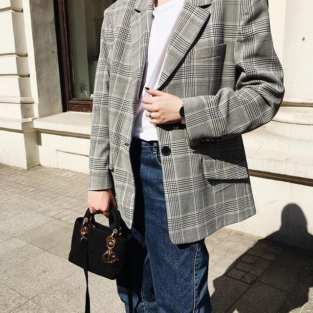 Olivia Kijo w oversize'owej marynarce Zara