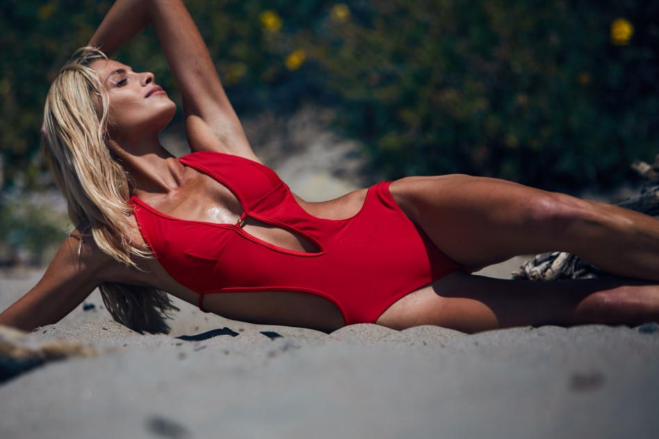 Anna Maria Olbrycht zaprojektowała kostiumy kąpielowe dla polskiej marki Caprice