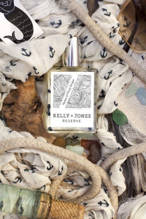 Perfumy o zapachu wina marki Kelly + Jones