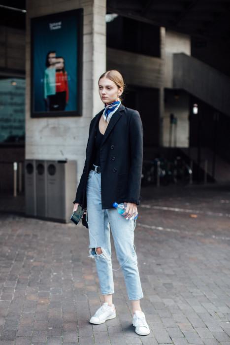 6872db2e Jesienne stylizacje z dżinsami w roli głównej - Glamour.pl