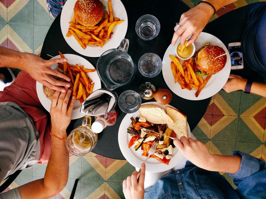 [QUIZ] Powiedz nam, jakie masz postanowienia noworoczne, a powiemy ci jaki fast food przypominasz!
