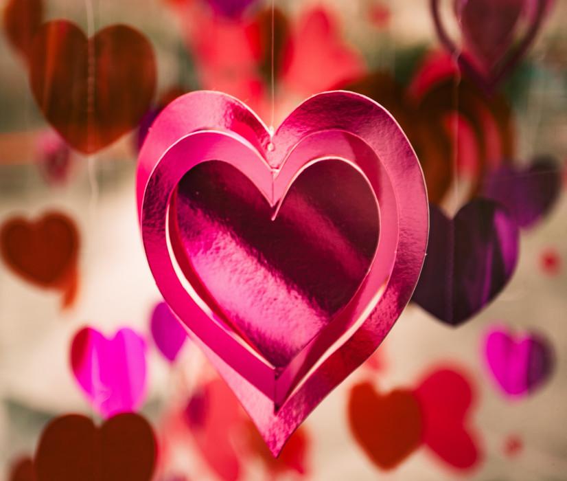 Walentynki 2018  Najlepsze pomysły na prezent dla dziewczyny (albo ... 40bece19cb9