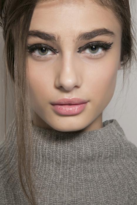 Jaka Kreska Pasuje Do Twojego Kształtu Oka Triki Z Eyelinerem